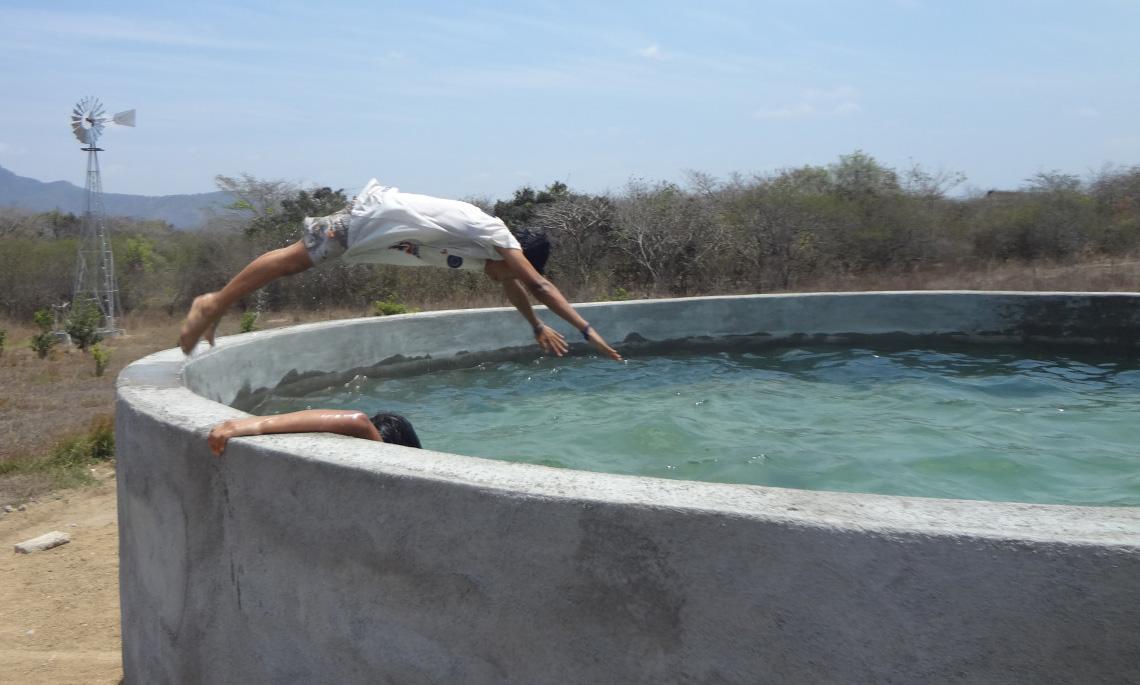 Water Tank diving